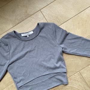 Lovers + Friends gray knit cropped shirt